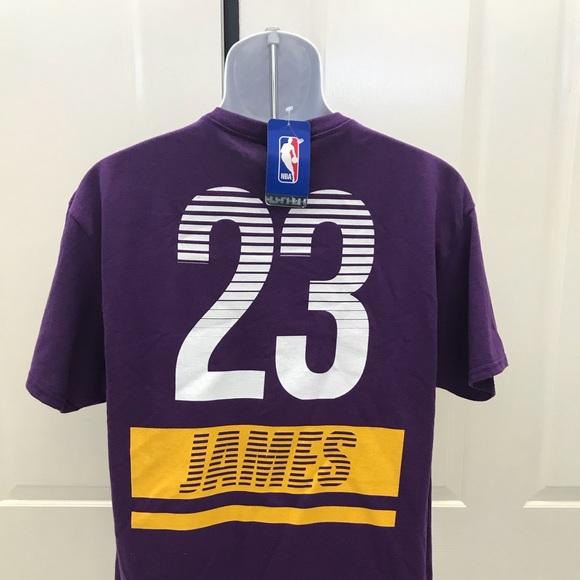 7e46c447c3d9 NEW w Tag- LAKERS Lebron James 23 T-shirt L